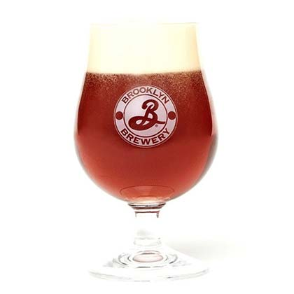 Glas Brooklyn Brewery